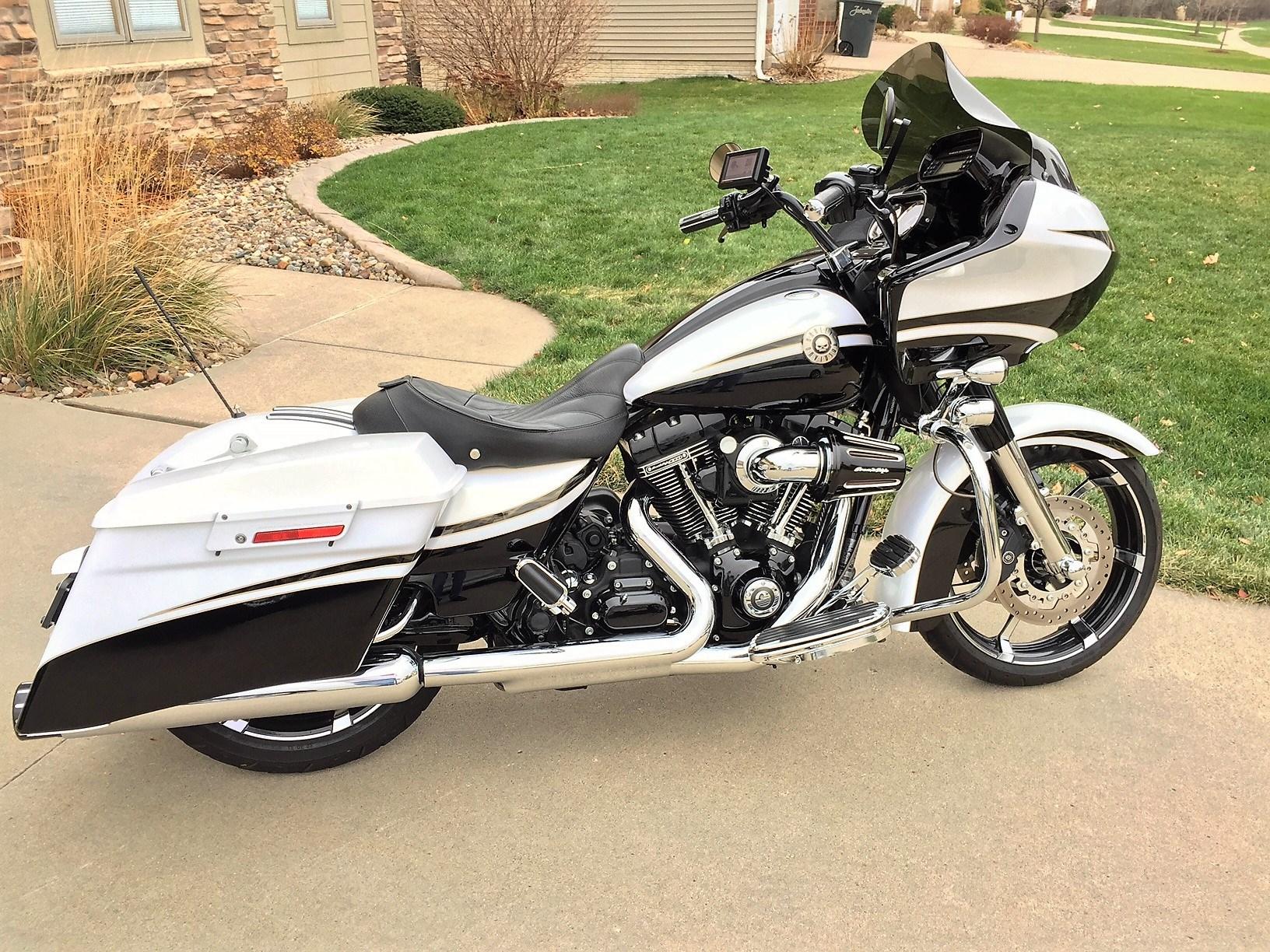 2012 Harley-Davidson® FLTRXSE CVO™ Road Glide® Custom ...