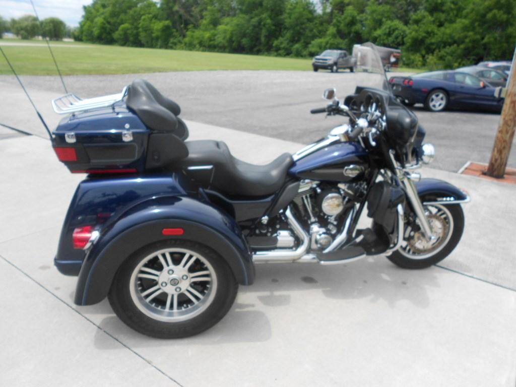 2013 Harley-Davidson® FLHTCUTG Tri Glide™ Ultra Classic® – $26500