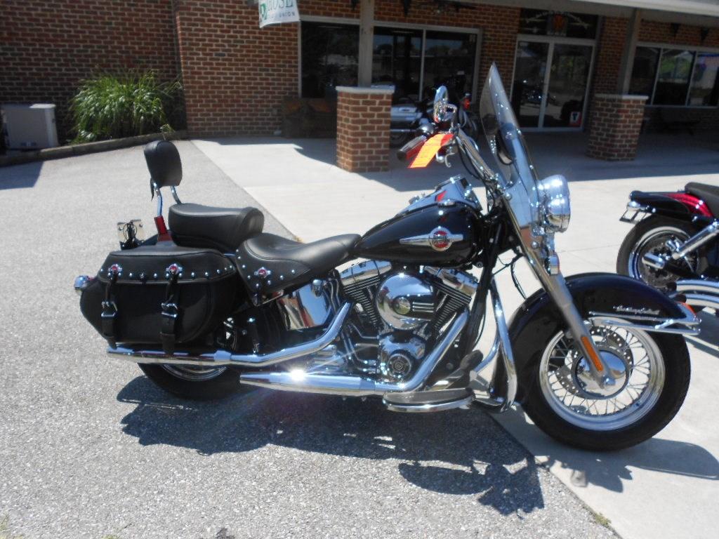 2016 Harley-Davidson® FLSTC Heritage Softail® Classic – $16900