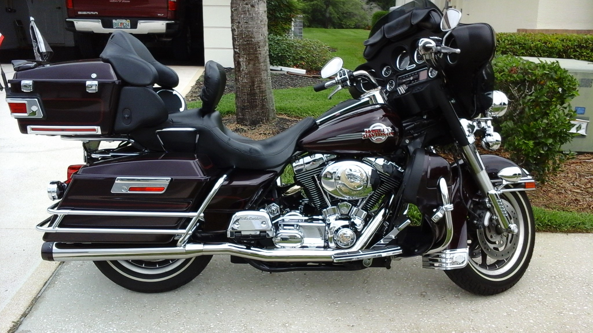 all new used harley davidson touring road king classic 335 bikes page 1. Black Bedroom Furniture Sets. Home Design Ideas