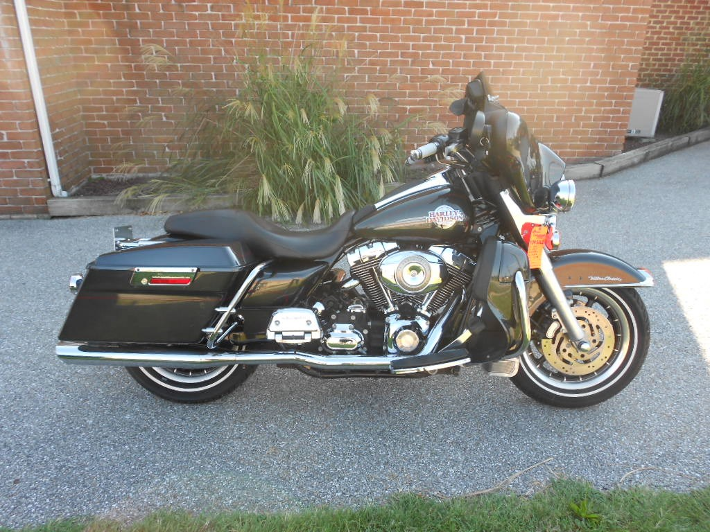 2007 Harley-Davidson® FLHTCU Ultra Classic® Electra Glide® – $13500