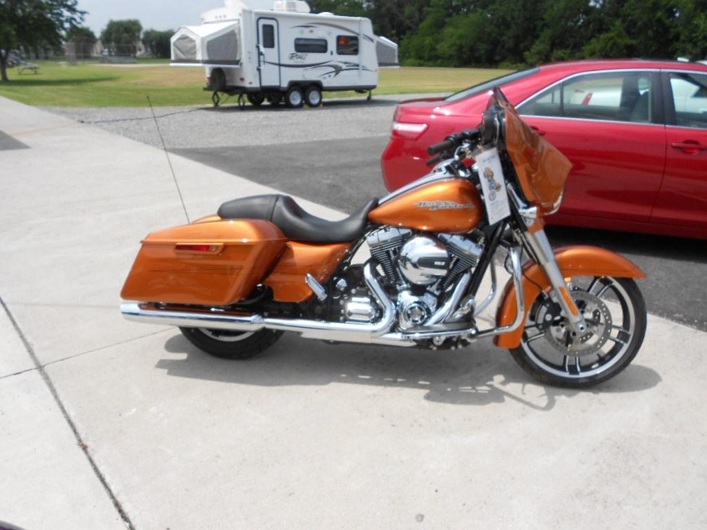 2015 Harley-Davidson® FLHX Street Glide® – $22900