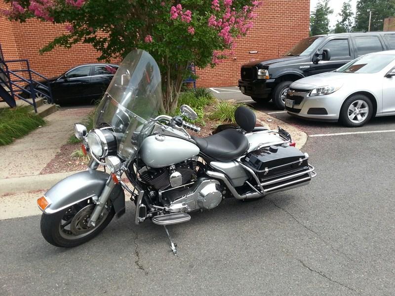 Photo of a 2006 Harley-Davidson® FLHP/I Road King® Police