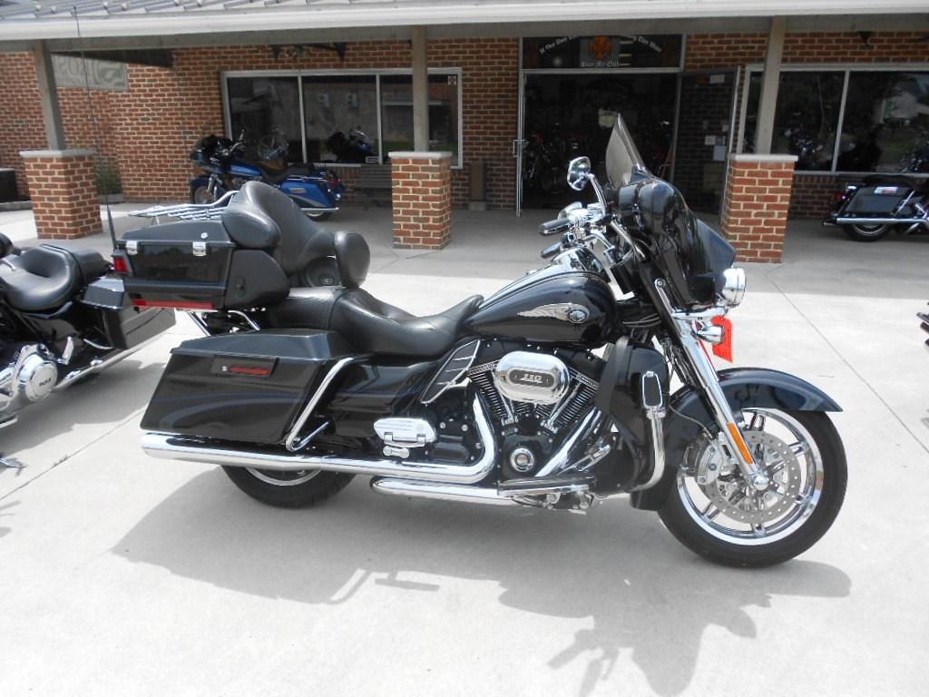 2013 Harley-Davidson® FLHTCUSE8-ANV CVO™ Ultra Classic® Electra Glide® 110th Anv. Ed. – $28900