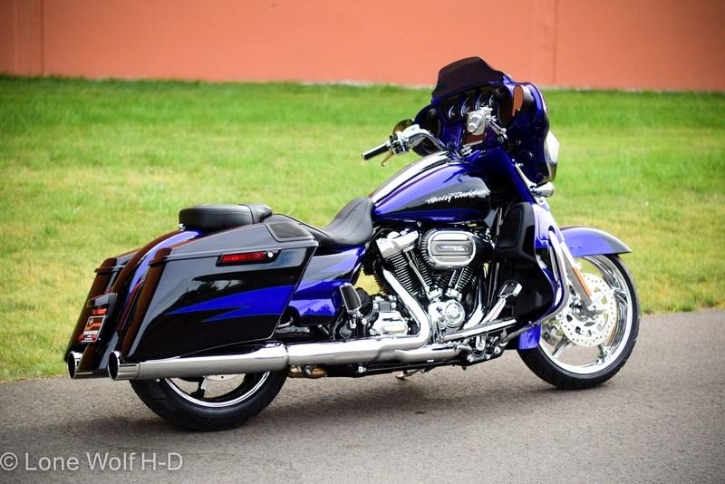 Cvo For Sale Washington >> 2017 Harley-Davidson® FLHXSE CVO™ Street Glide® (CANDY COBALT/INDIGO INK), Spokane Valley ...