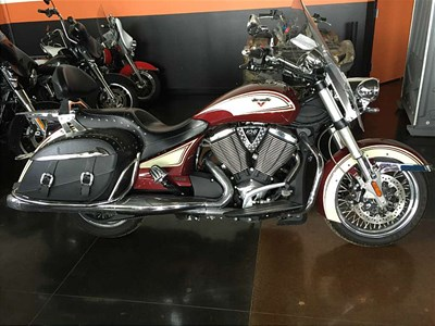 Used 2013 Victory Cross Roads® Classic