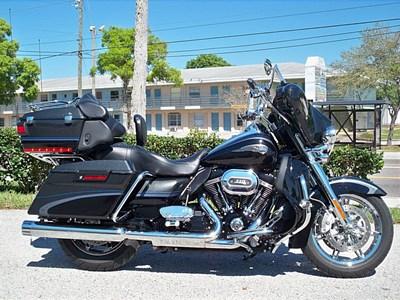 Used 2013 Harley-Davidson® CVO™ Ultra Classic® 110th Anv. w/ sidecar