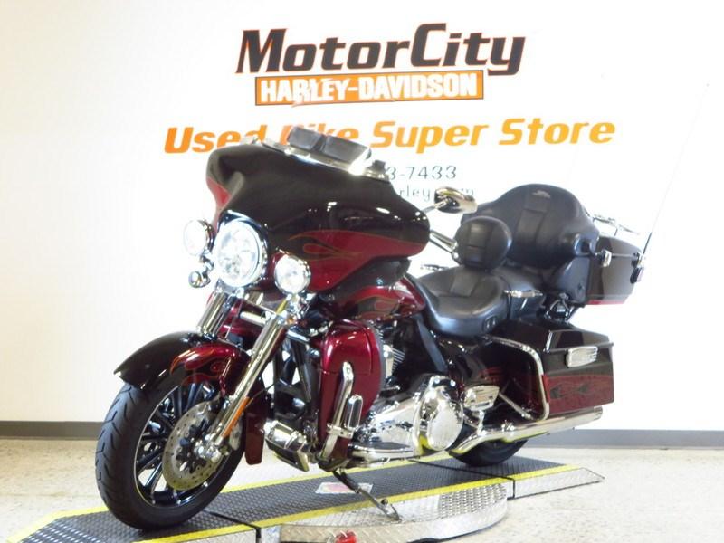 2011 Harley Davidson Flhtcuse6 Cvo Ultra Classic Electra